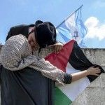 Jewish And Palestinian Toghether On Twitter Are Telling Us There Is A Solution T...